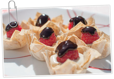 chocolate cream bites in filo cups